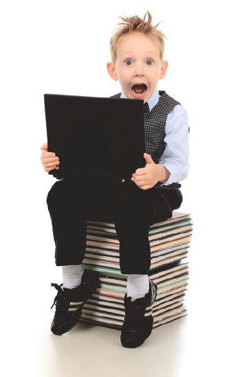 мальчик с компьютером