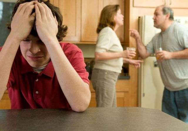 Родители алкоголики ругаются