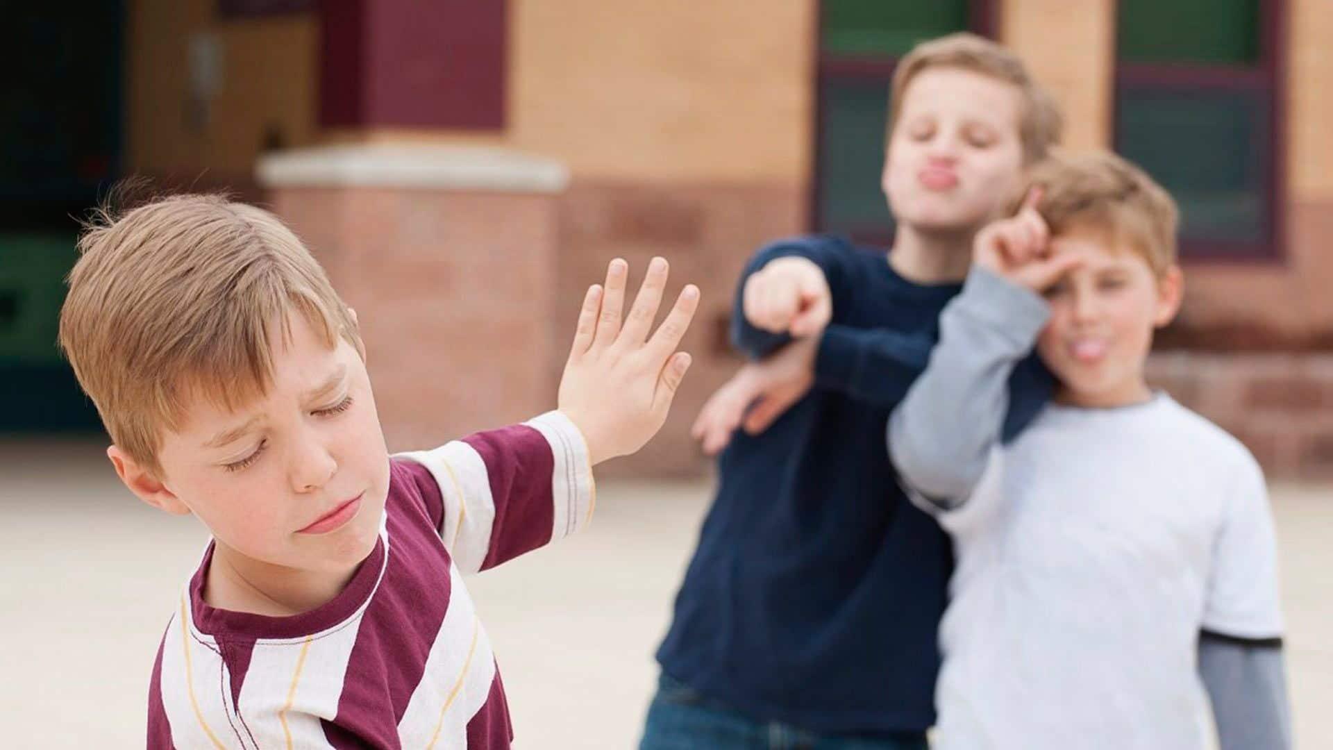 Как защитить ребенка от негативного влияния сверстников?