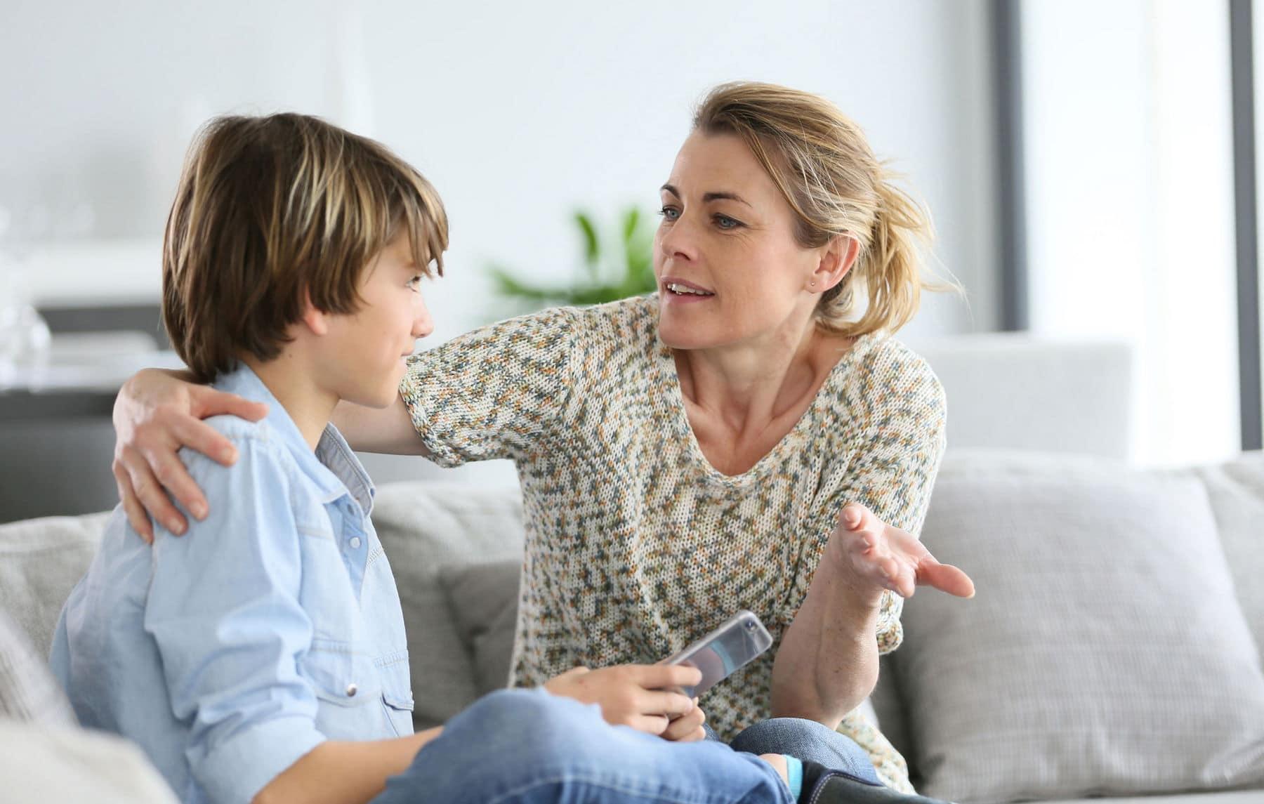 Как оградить ребенка от негативного влияния сверстников