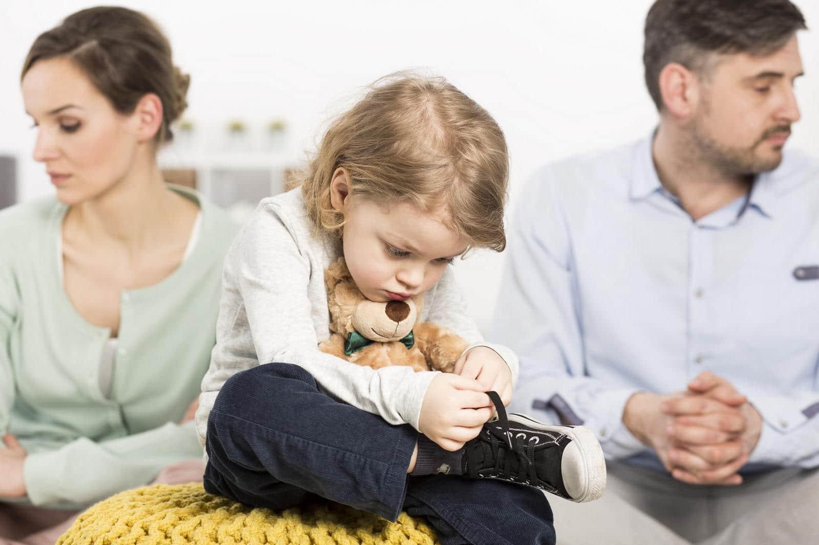 Как справиться с разводом, если вы остались одни с ребенком?